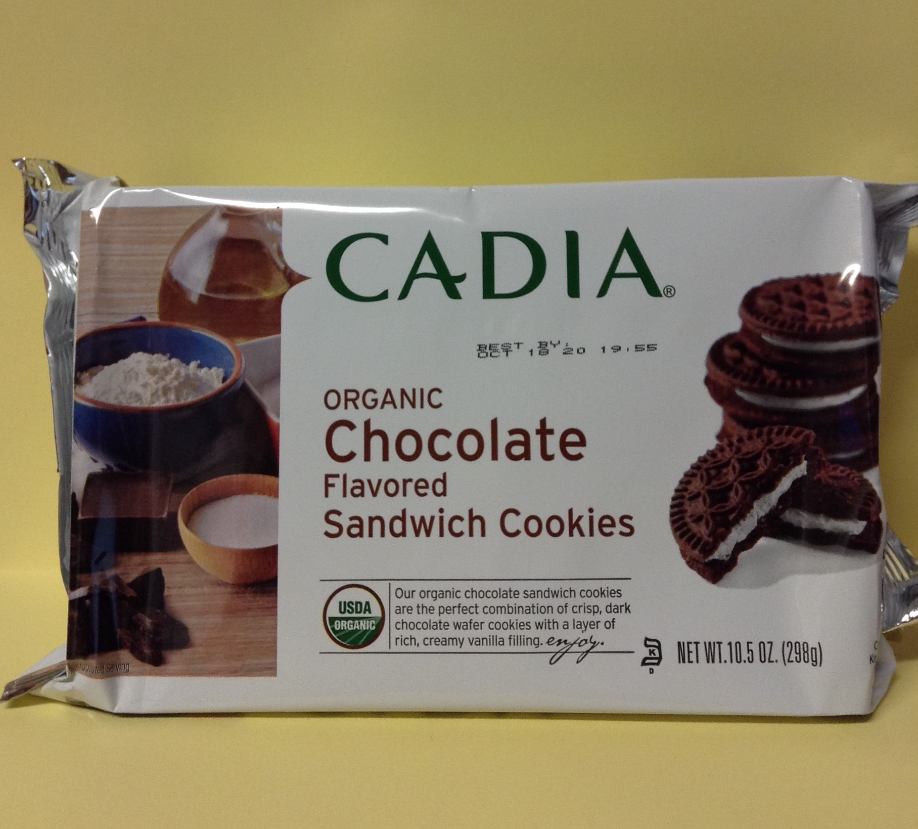 CADIA Chocolate Flavored Sandwich Cookies
